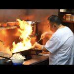 「腹立つからソース入れたれ!」のブチギレがまさかの大ヒット!行列のできる町中華 大陸の怒涛のピーク時に密着 Japanese street food Yakisoba